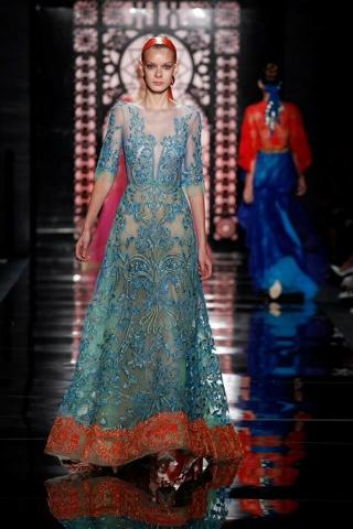 aa68382fa Sus vestidos podrían pasar por exquisitos vestidos de Alta Costura o dignos  para una reina