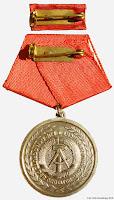 0615 20 Jahre Kampfgruppen medailles