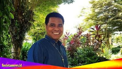 Pater Tuan Kopong: Masalah Itu Inspirasi