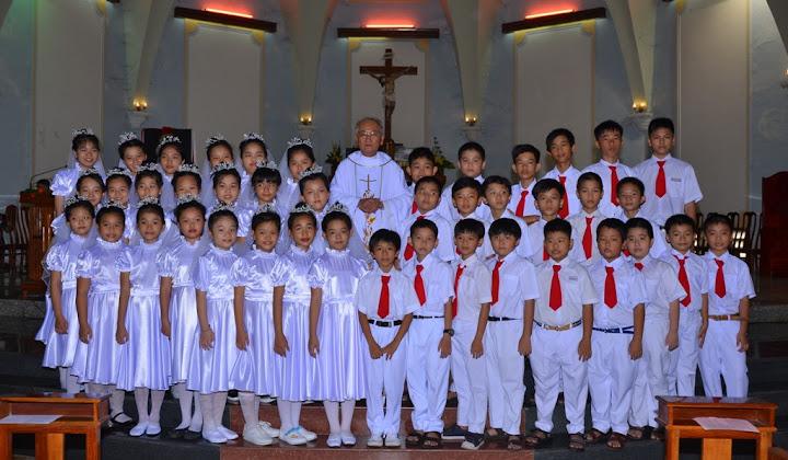 Thánh lễ ban bí tích Thánh Thể cho các em thiếu nhi lãnh nhận lần đầu