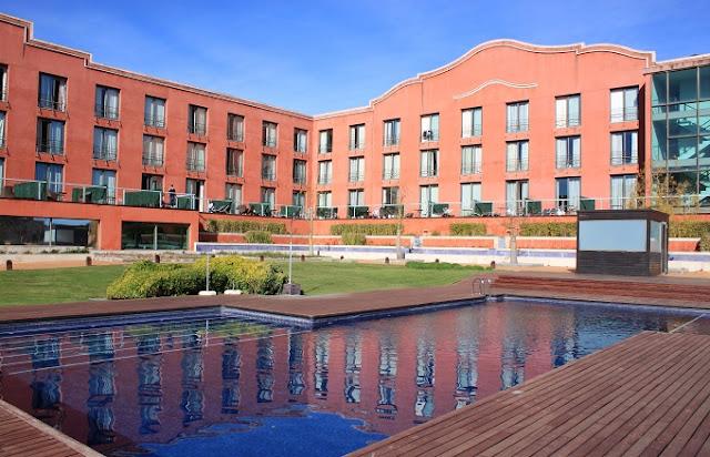 Hotel Barcelona Sant Esteve Sesrovires.jpg