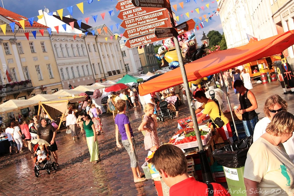 24.07.11 Tartu Hansalaat ja EUROPEADE 2011 rongkäik - AS24JUL11HL-EUROPEADE100S.jpg