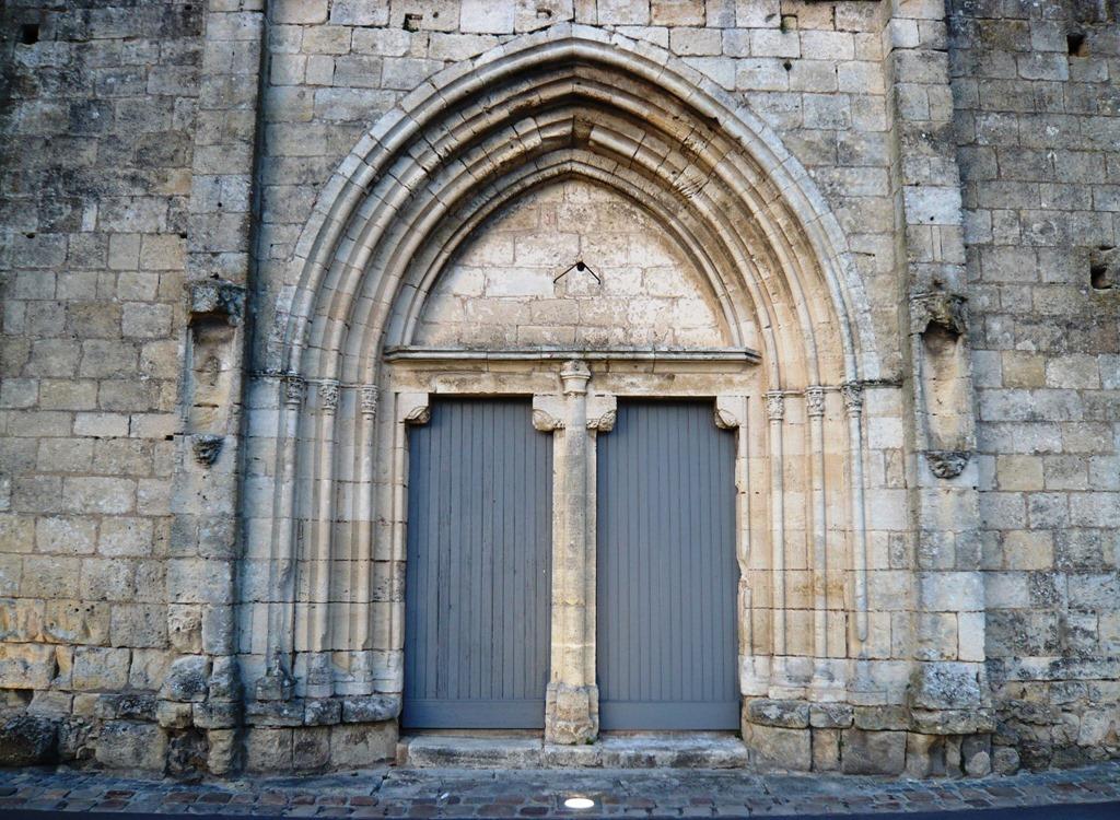 [St+Emilion+doors+and+windows9d%5B3%5D]