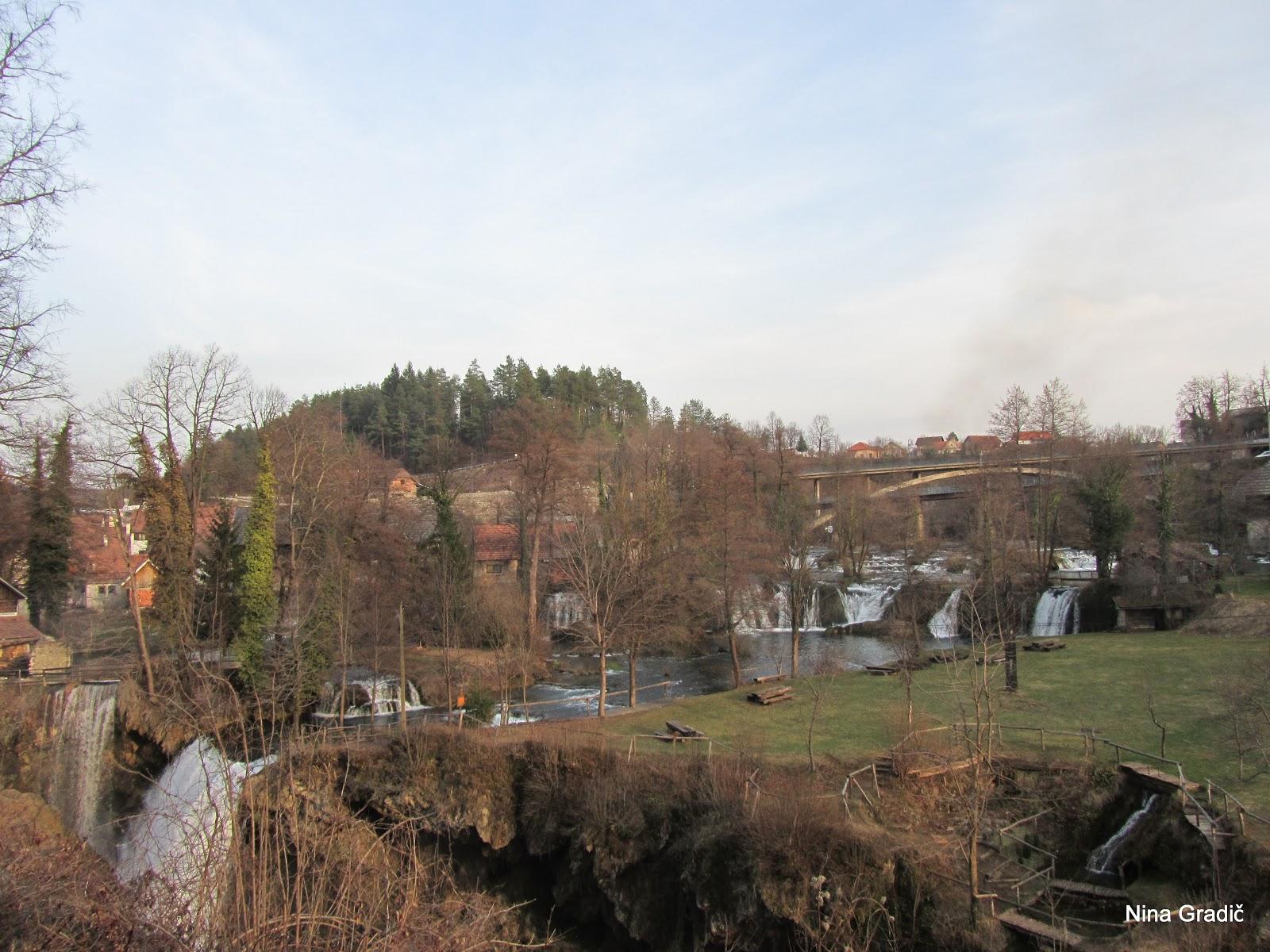 Za začetek našega potepanja smo se ustavili v idilični hrvaški vasici Rastoke