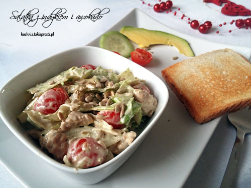 Salatka z indykiem i awokado