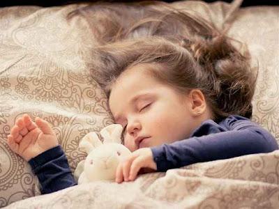 नींद से जुड़े 30 रोचक तथ्य | 30 Sleep Facts In Hindi