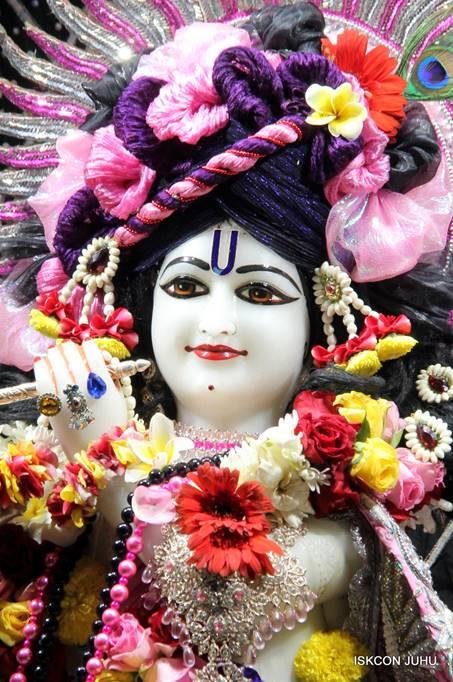 ISKCON Juhu Sringar Deity Darshan 05 Mar 2016 (10)