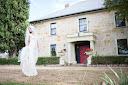 external image Epsom_House_old-world-garden-wedding004.jpg