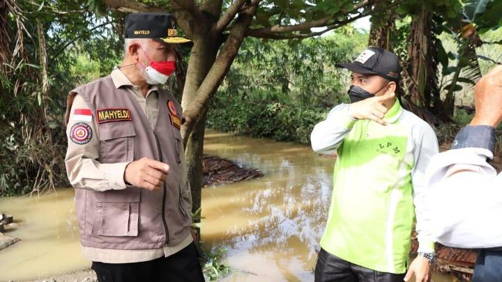 """Gubernur: Pemprov """"Back up"""" Bantuan untuk Korban Banjir Padang"""