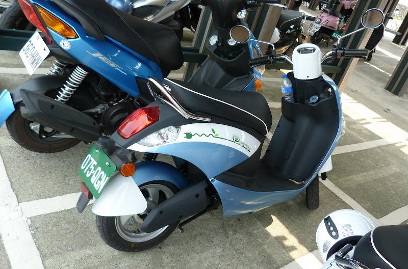 les premiers scooters électriques de Taiwan