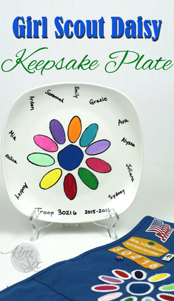 Easy Stenciled Daisy Plate for Girl Scouts