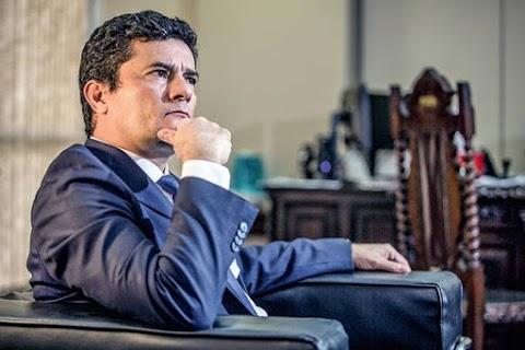 Juiz Sérgio Moro se arrepende de ter saído do governo atirando em Bolsonaro
