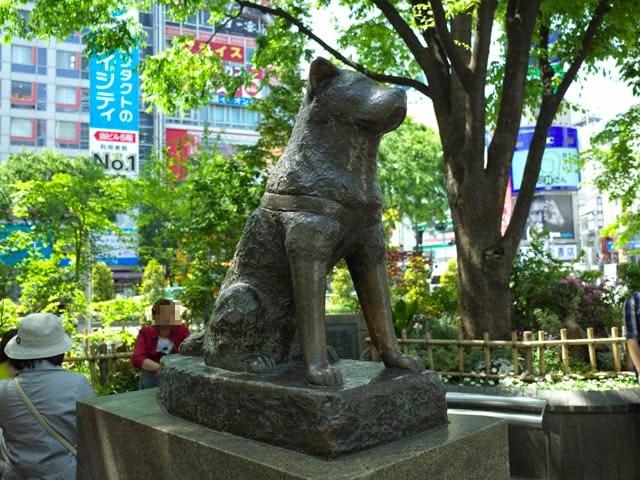 渋谷駅前のハチ公の銅像