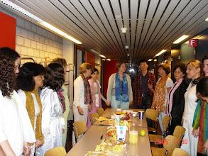 Photo: Festa do pijama com convidados! No corredor do alojamento