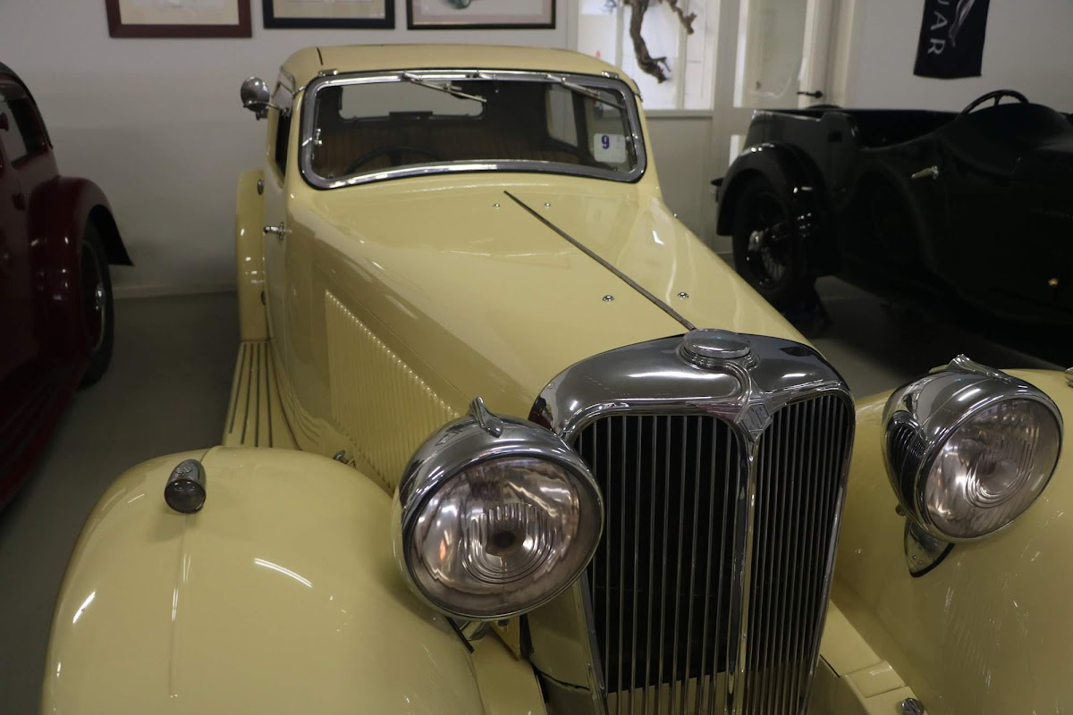Carl_Lindner_Collection - 1934 SS1 Saloon 08.jpg