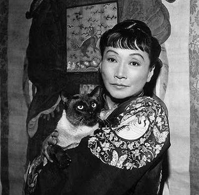 Anna May Wong and a cat