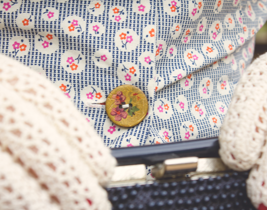 Details of the fabric & buttons for my Simplicity 1590 make | Lavender & Twill