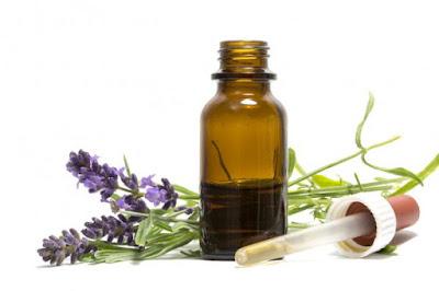 Lavender-oil-benefits-uses