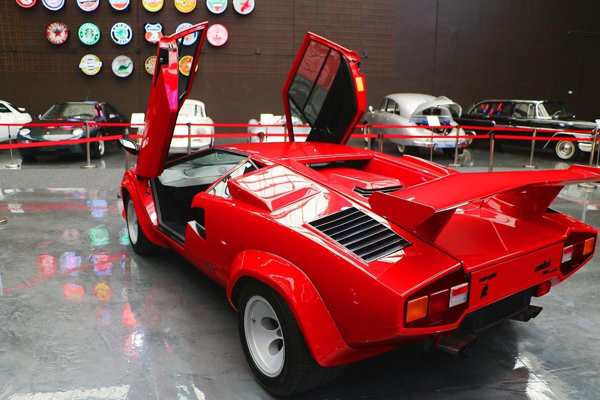 Lamborghini Countach (22).jpg