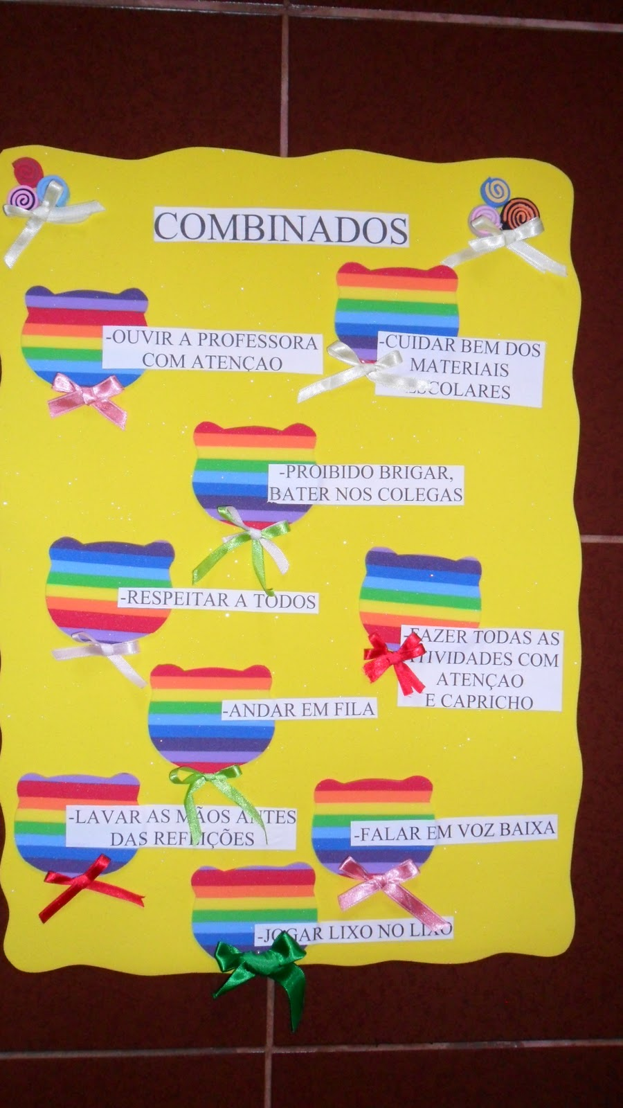 Cartaz   Os  Binados Em Sala De Aula