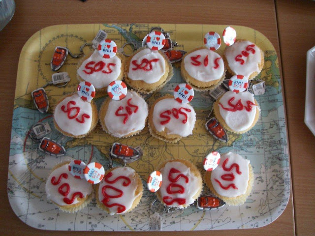 SOS cup cakes, 26 January 2012