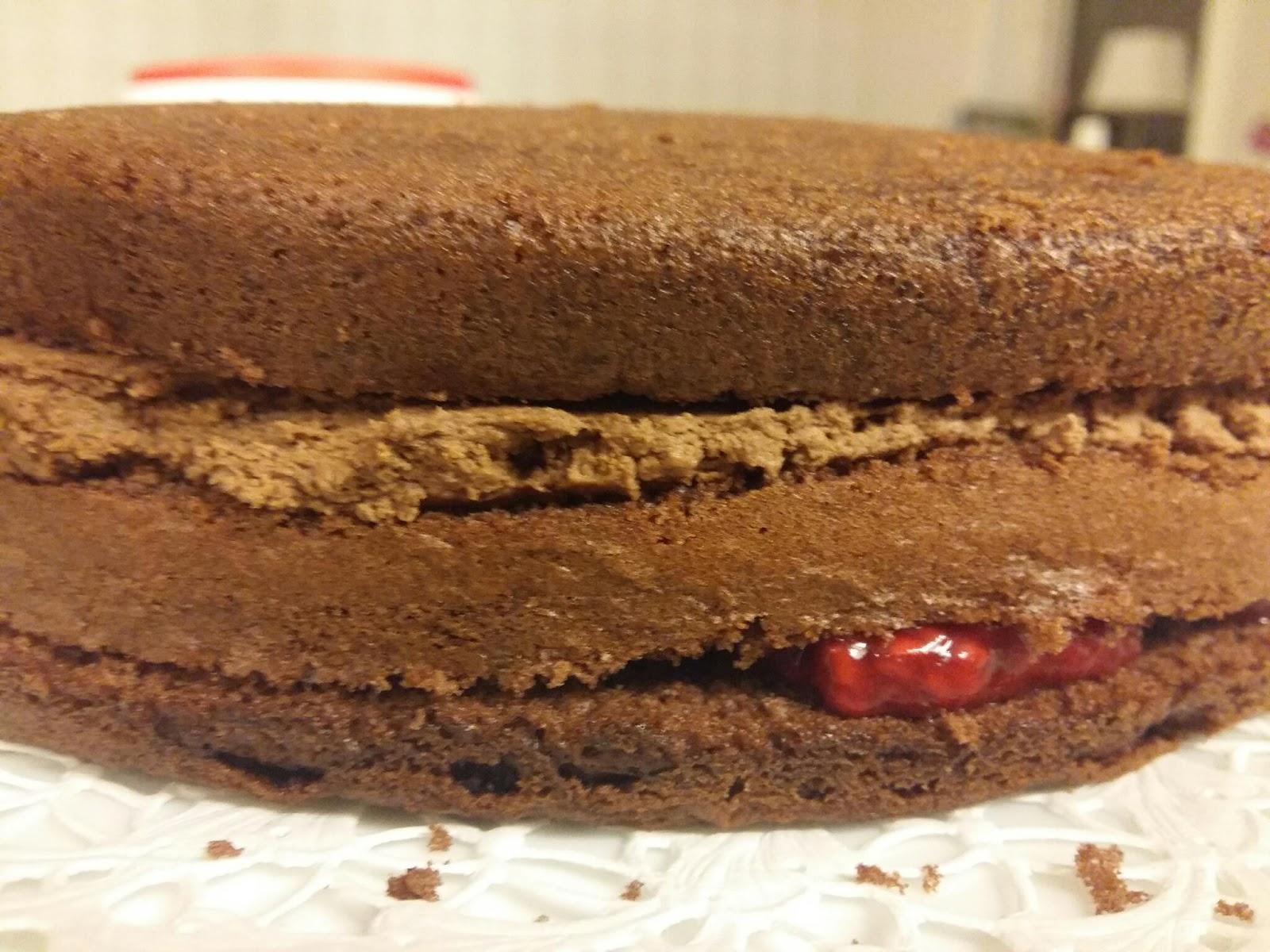 recept chokladmoussetårta med hallon