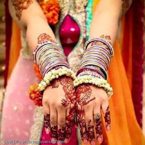 Beautiful Girls Mehndi Hands Awesome Images