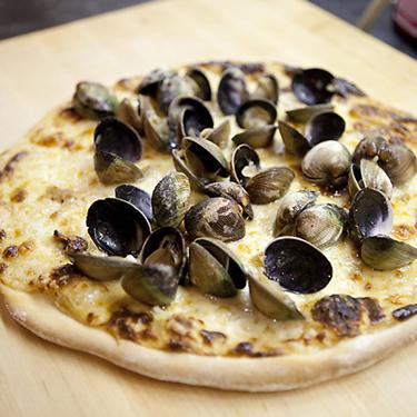 Award winning clam pizza!