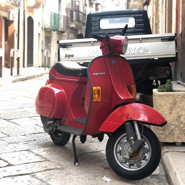 travel-blog-bari-italy-vespa