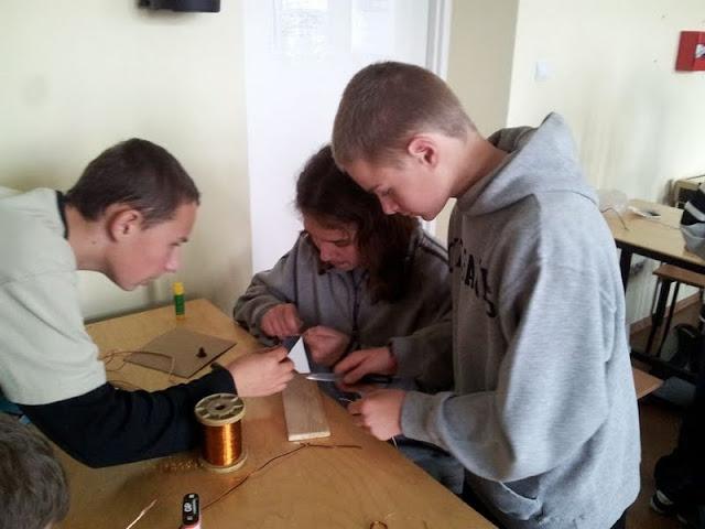 Technika Budujemy silnik elektryczny - 20121108_121824_1.jpg