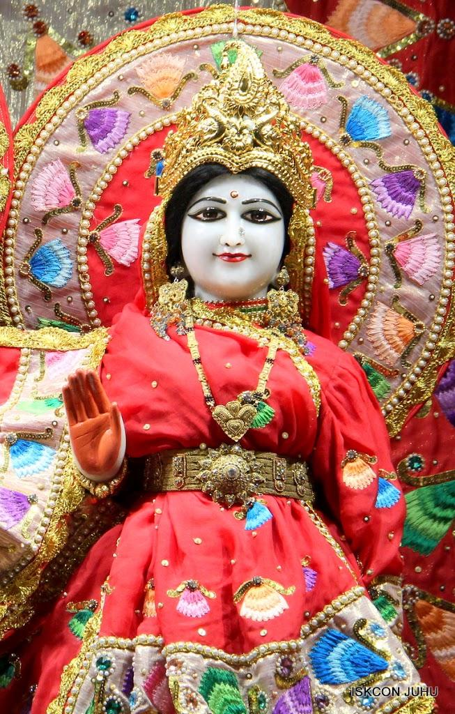 ISKCON Juhu Mangal Deity Darshan on 28th Aug 2016 (21)