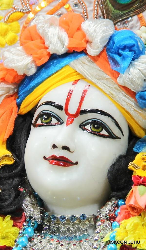 ISKCON Juhu Sringar Deity Darshan on 11th Aug 2016 (38)