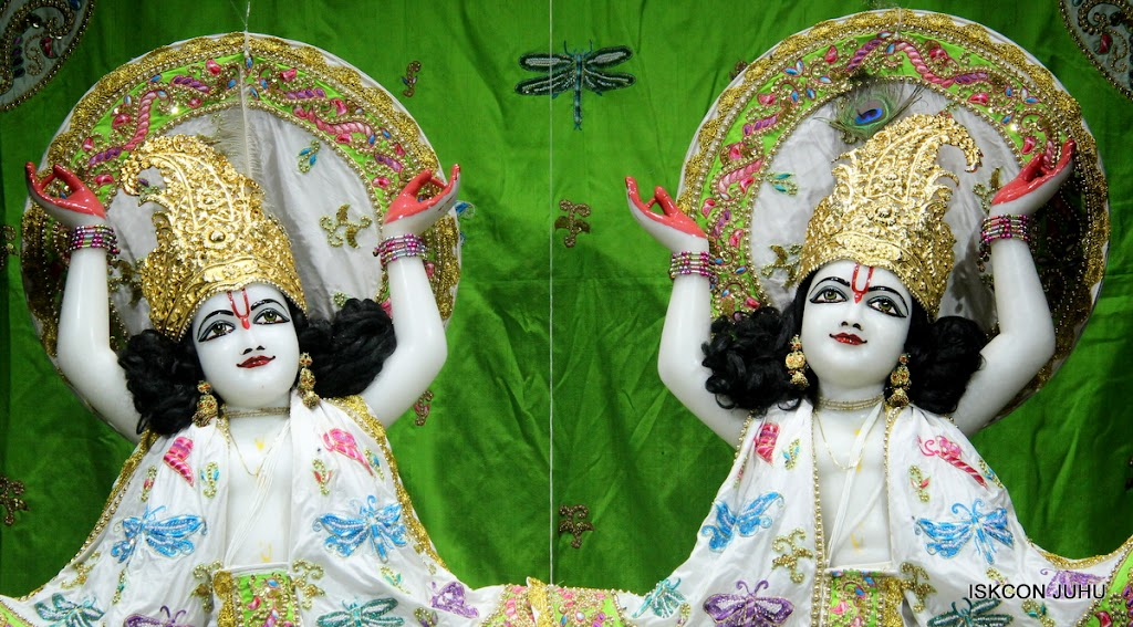 ISKCON Juhu Mangal Deity Darshan on 26th June 2016 (1)