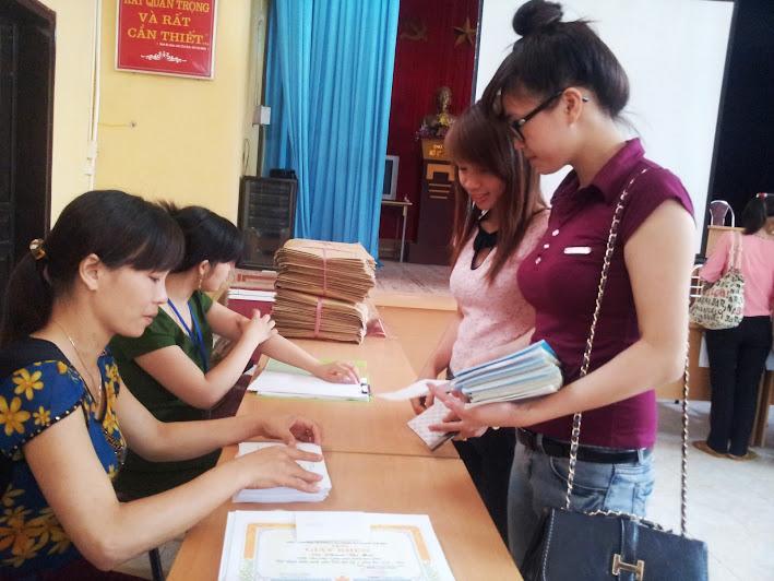 Trường CĐSP Yên Bái tổ chức trả hồ sơ, giấy chứng nhận tốt nghiệp và bảng điểm cho sinh viên khóa 2010-2013
