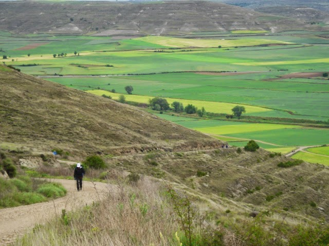 The ascent outside of Hontanas
