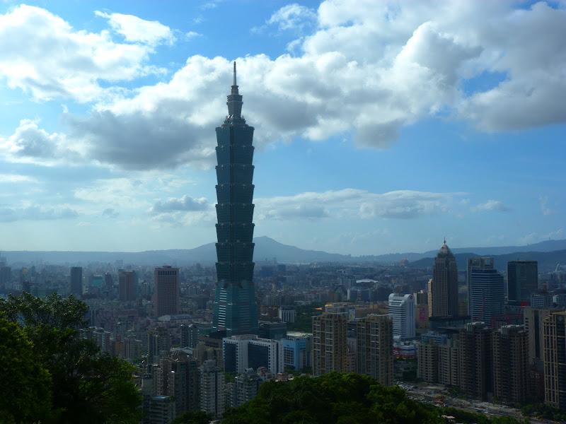 Taipei. Si Shou shan, en plein coeur de Taipei. Accès par un chemin bien plus sauvage. - P1240838.JPG