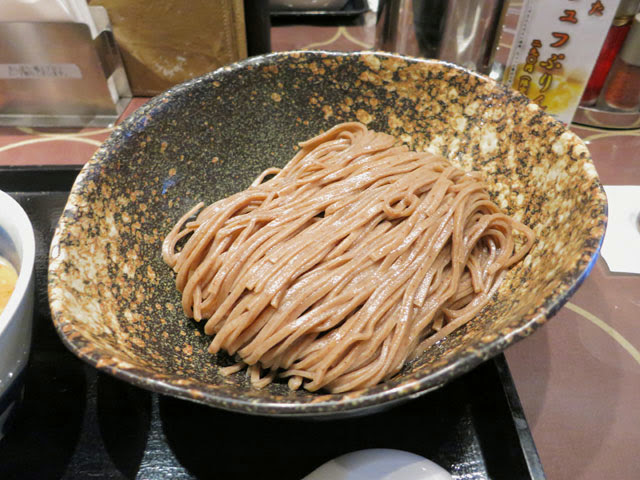 大盛りの全粒粉麺