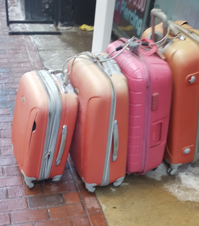 [Crappy+Luggage%5B9%5D]