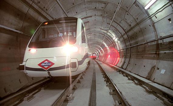 Redacción del proyecto  para la prolongación de la línea 5 de Metro hasta el aeropuerto de Barajas