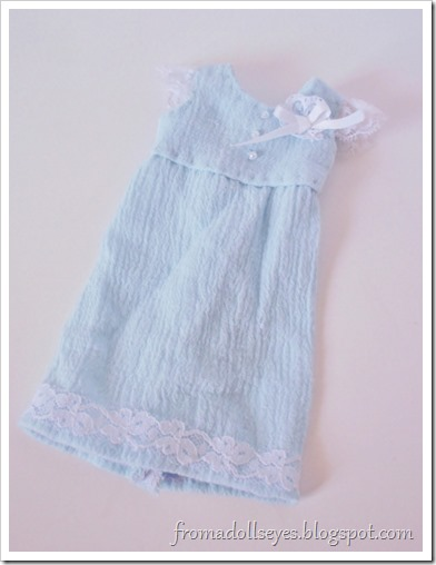 A cute blue doll dress with lace ruffles for a yosd ball jointed doll.  Free pattern and tutorial!