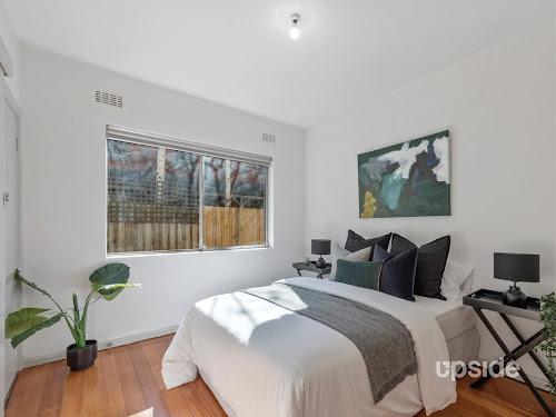 Photo of property at 4/131 Grange Road, Glen Huntly 3163
