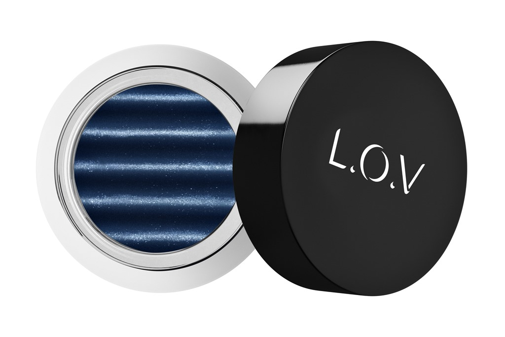 [LOV-EYETRACTION-magnetic-loose-eyeshadow-590-p1-os-300dpi%5B1%5D%5B4%5D]