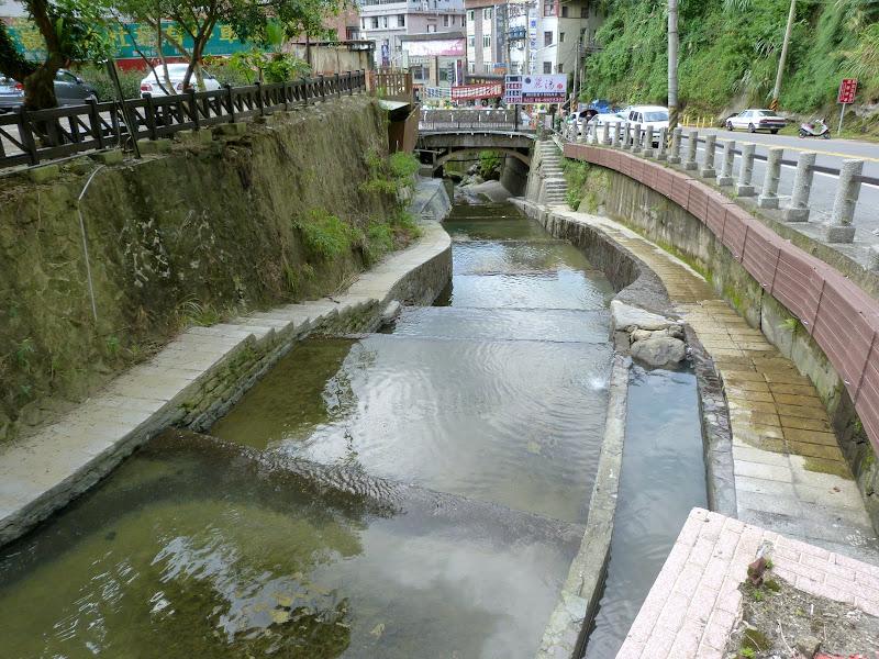 Tainan, sources chaudes de Guanziling .J 5 - P1210072.JPG