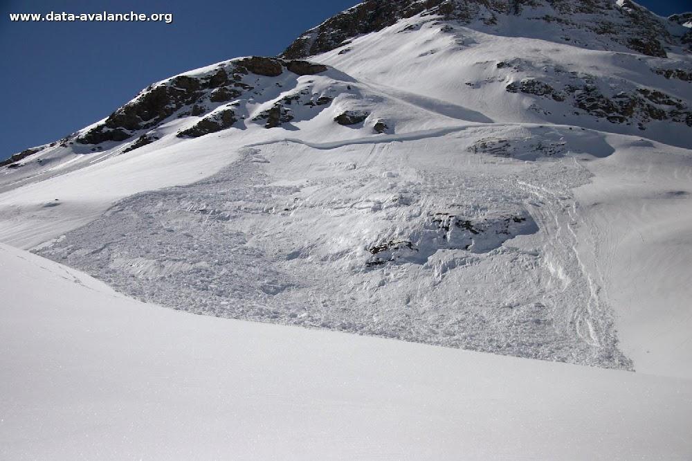 Avalanche Haute Maurienne, secteur Pointe de Méan Martin, Croix de Dom Jean Maurice - Roche Noire - Photo 1 - © Duclos Alain