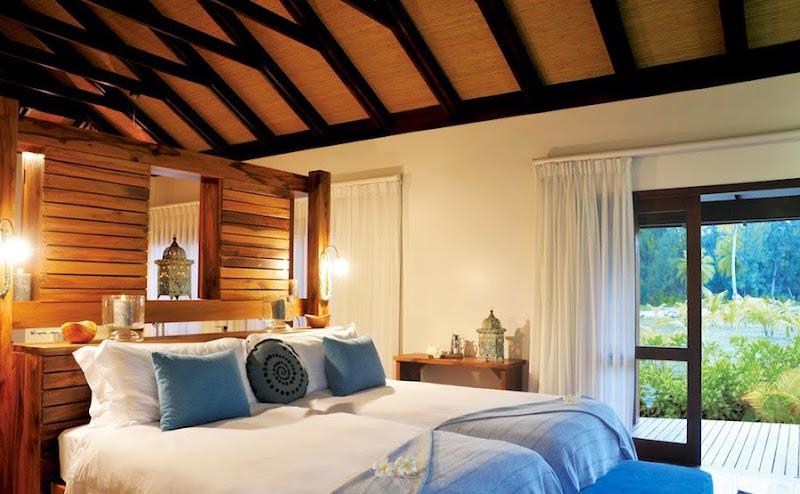 Desroches Island Resort - piclarge1174beach%2Bvilla_07%2B%2528PK%2529.jpg