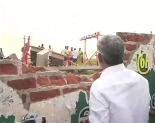 तमिलनाडु: एयरपोर्ट पर दीवार से टकराया एयर इंडिया का विमान १३६ यात्री थे सवार