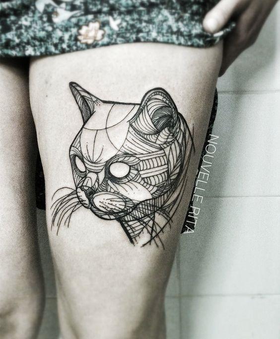 em_branco_do_olho_de_gato_coxa_tatuagem