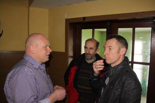 Danny ontvangt de collegas van kwb leerbeek. Wim en Ben komen ons feliciteren.