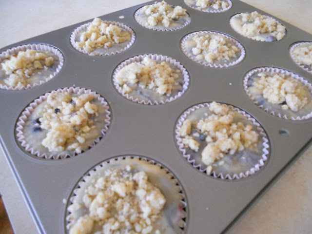Streusel Topping on Berry Muffins