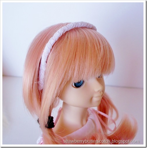 Cute lace headband for a doll.